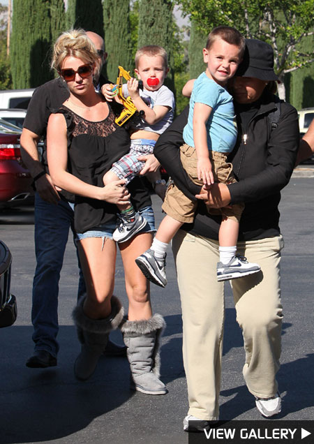 After a few relaxing days in Mexico, Britney Spears was spotted taking her two sons to see a flick in Calabasas, Calif.