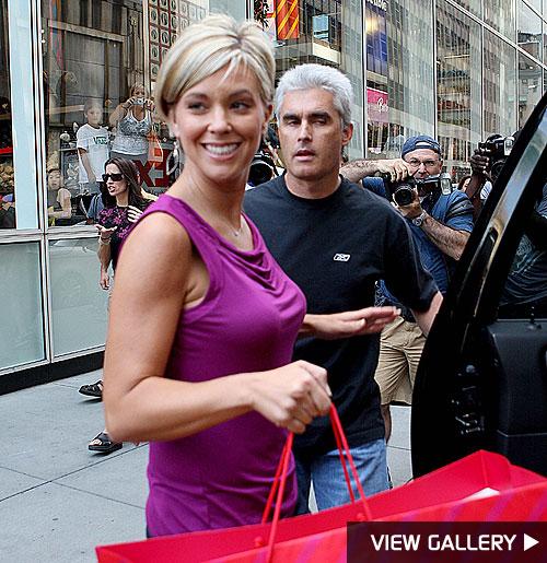 kate gosselin shops with her bodyguard
